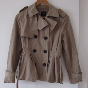 GAP - Tan Short Trench Coat